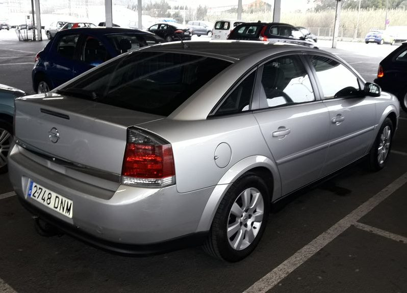 OPEL VECTRA 1.8I 5P DESING completo